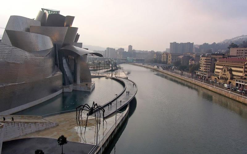 Paseo Gugenheim Bilbao