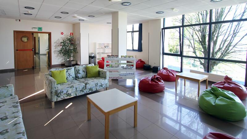 Sala de estar Bilbao Hostel
